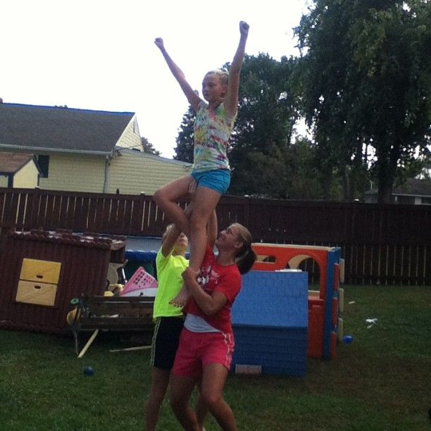 Chair Stunt Cheer Chair Flyer Me Cheer Stunts Stunts Cheer