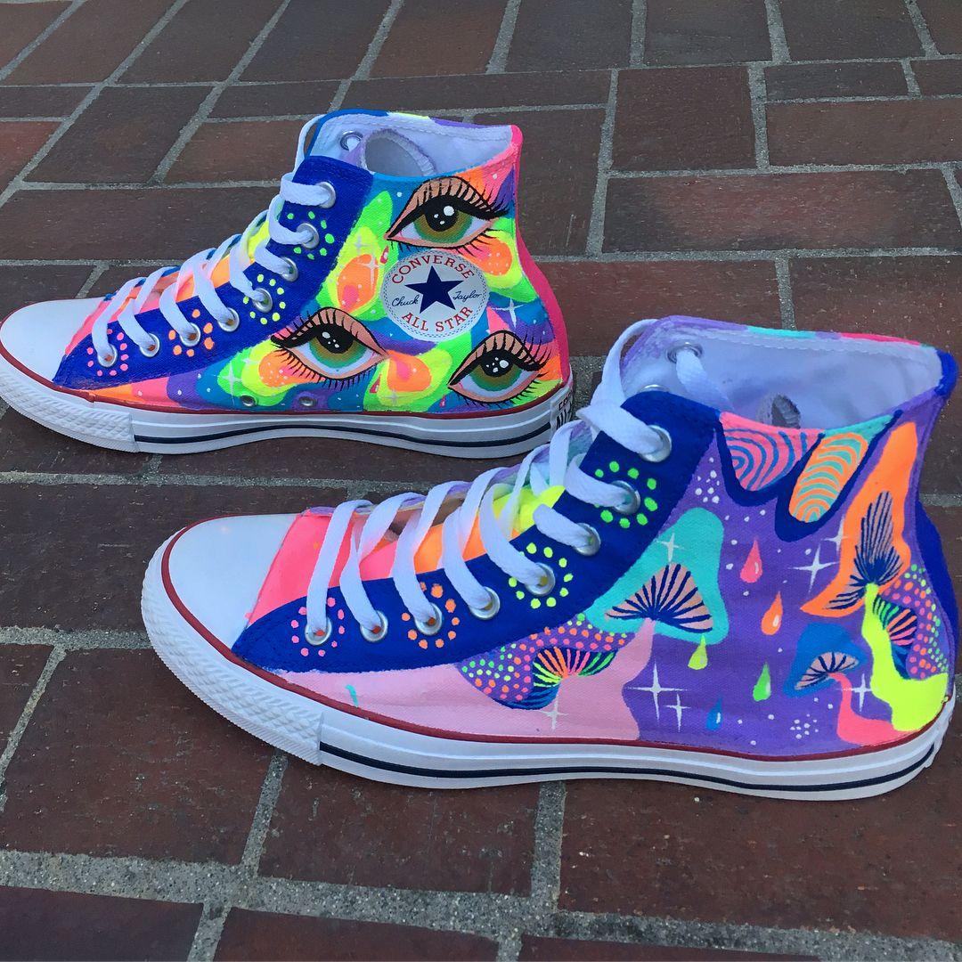 Custom hand painted converse! Help me