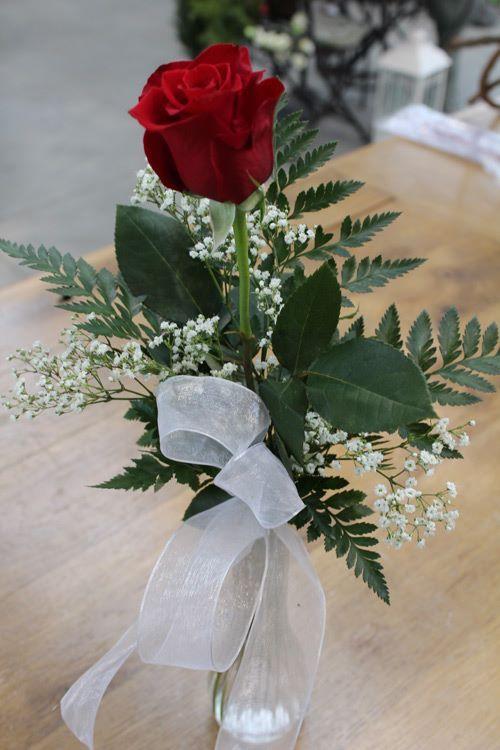 Single Rose In Vase Fresh Flowers Arrangements Pinterest