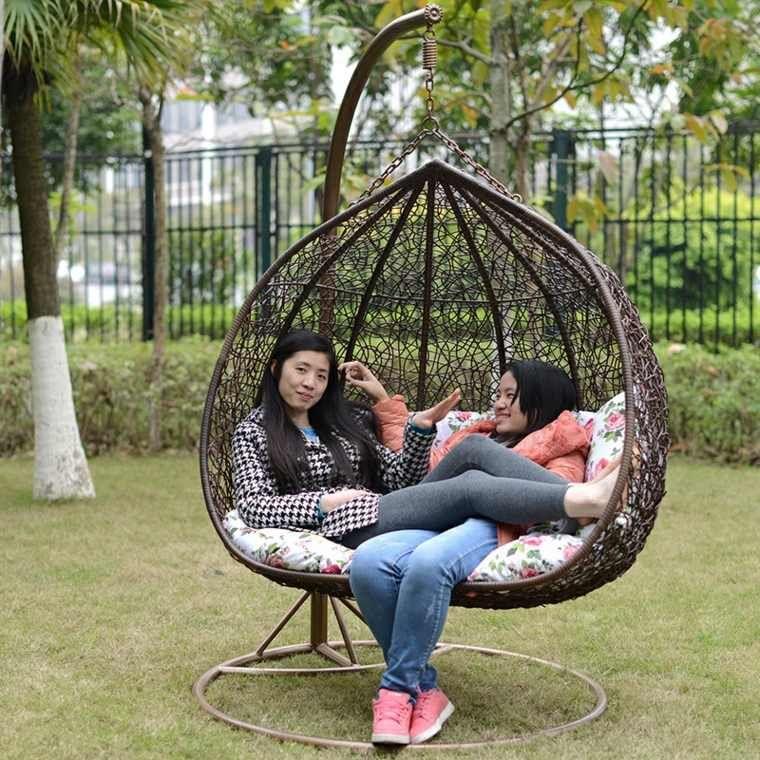 Chaise Longue Suspendue Et Fauteuil Relax Idees Deco Jardin