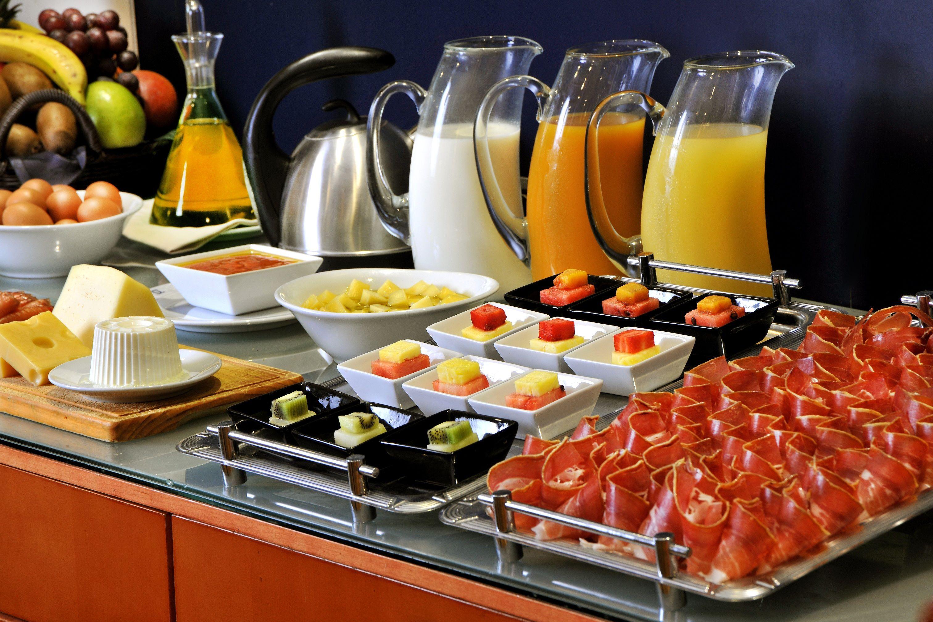 Buffet de desayunos LA NOVENA Desayunos brunch