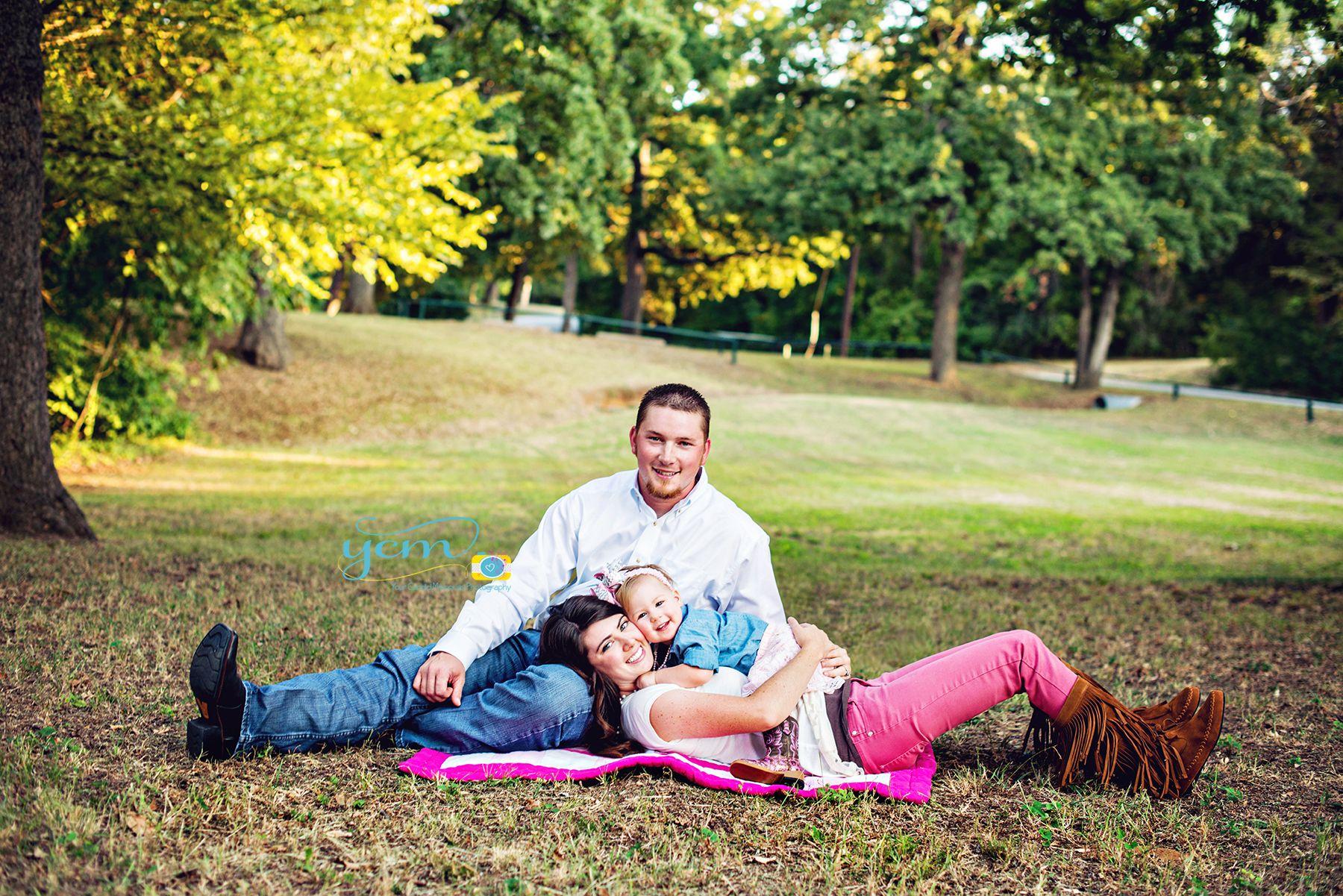family photo ideas, family poses, family photos, family