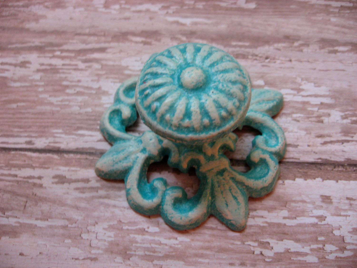 Set of 4 Turquoise and Cream Aged Farmhouse Vintage Style Cast Iron ...