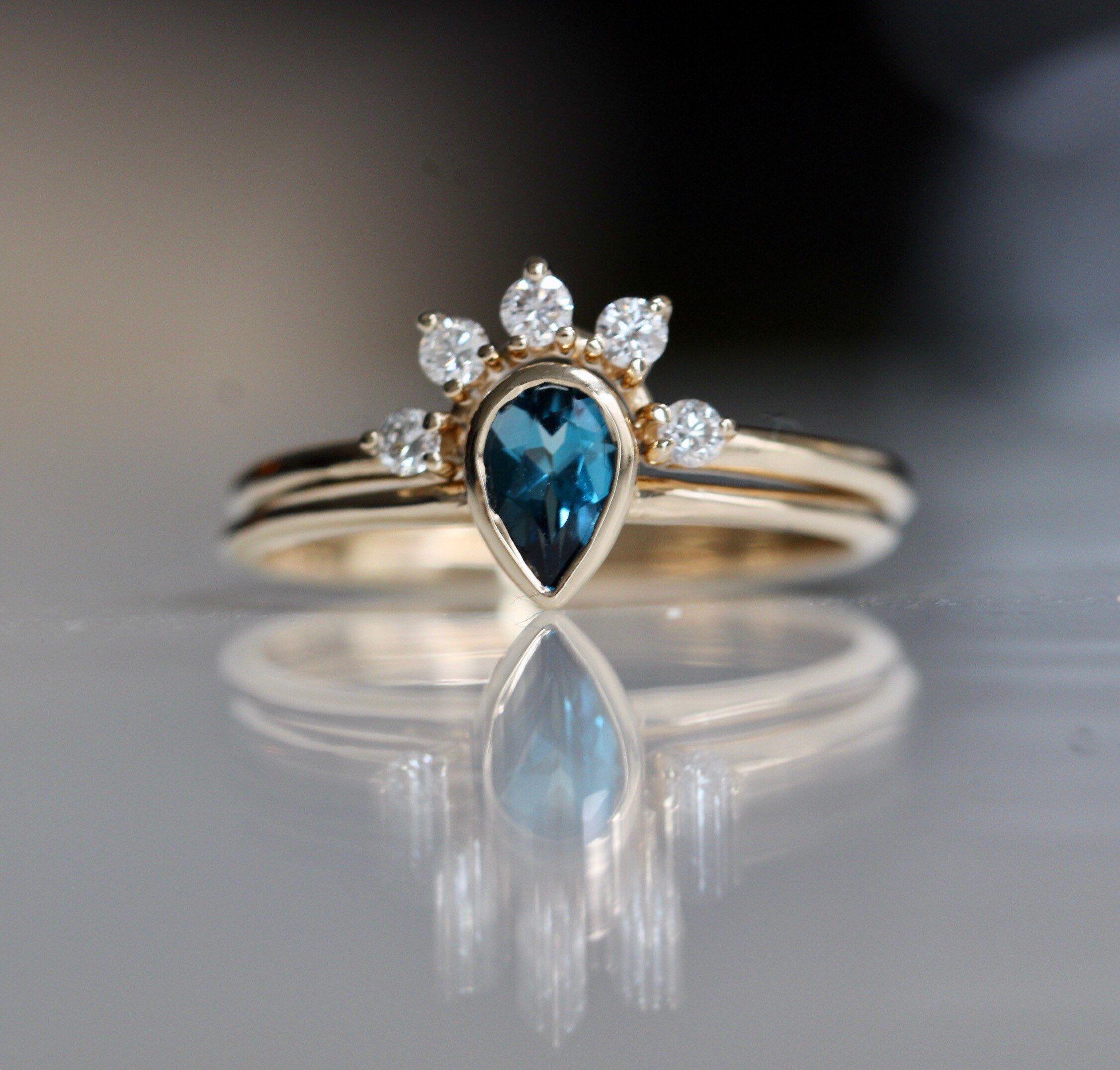 14k Gold London Blue Topaz Bridal Set Wedding Ring Set Pear Etsy London Blue Topaz Ring Bridesmaid Jewelry Sets Blue Topaz Ring