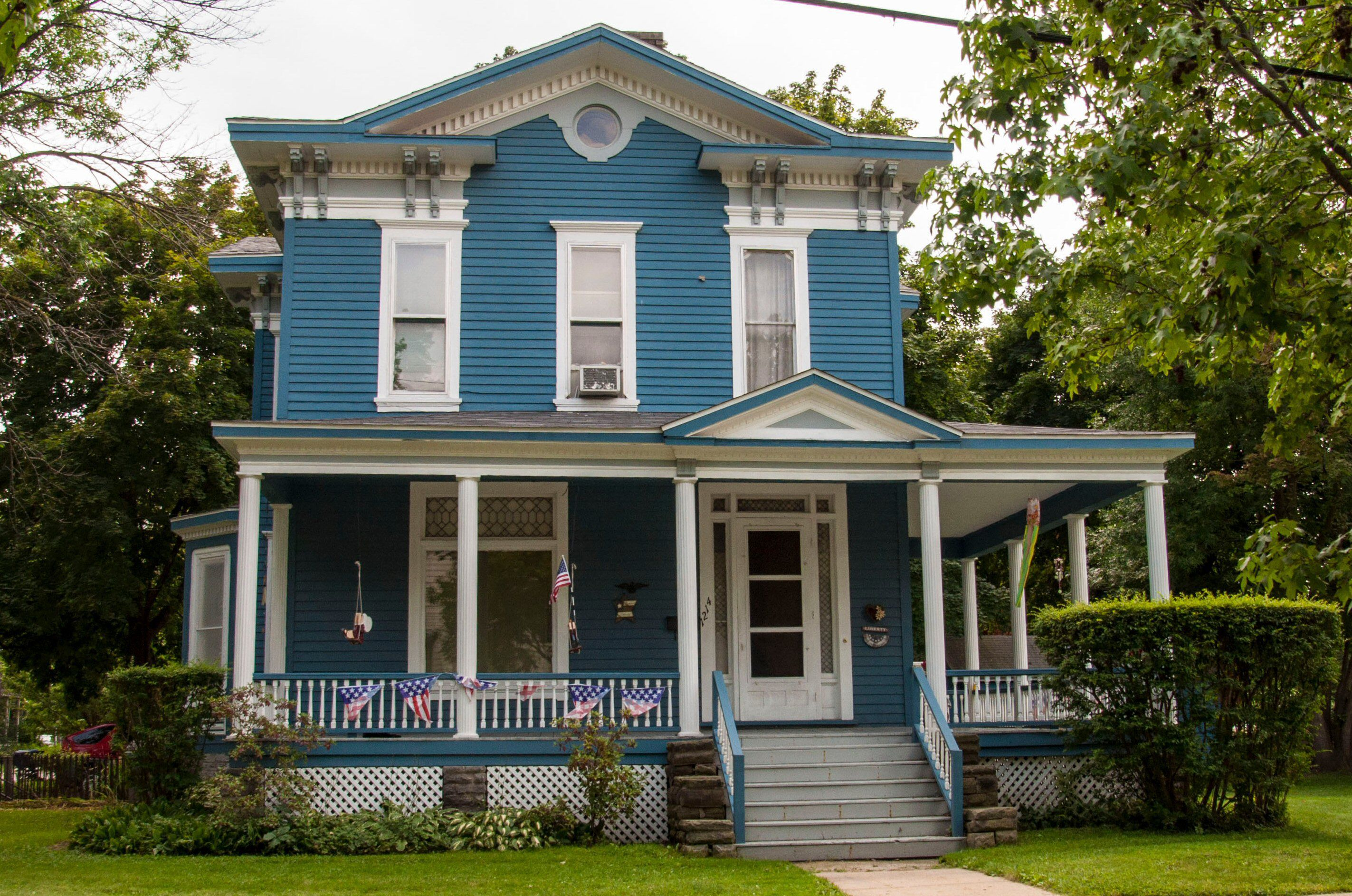What Shade Of Blue Should You Paint Your House Exterior House Colors House Colors House Exterior
