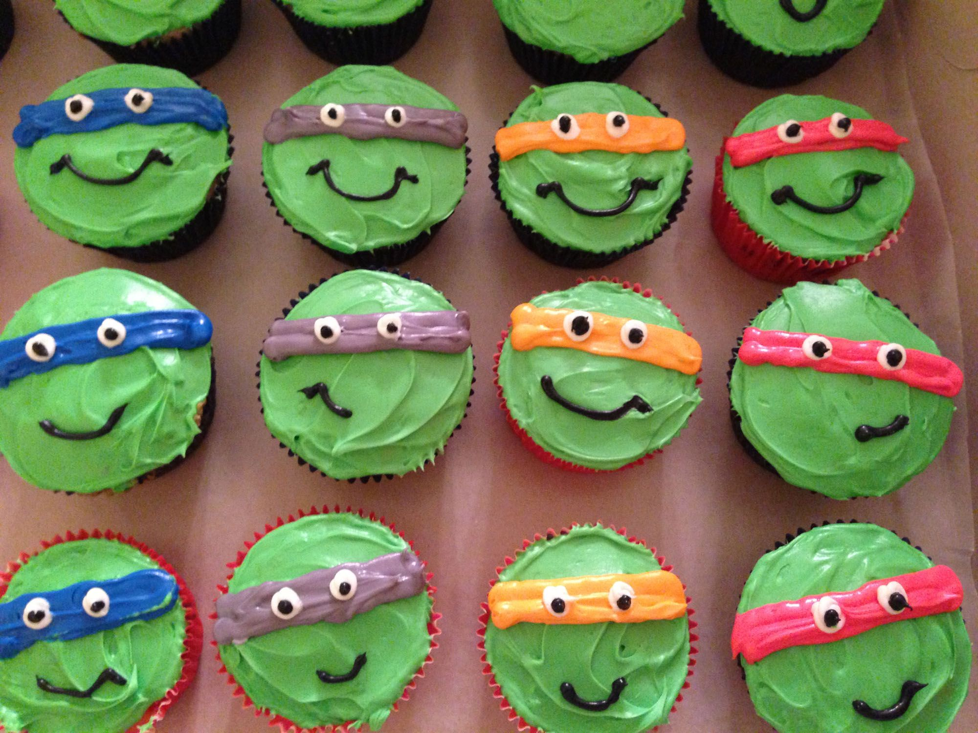 we thought this was an adorable idea: ninja turtle cupcakes