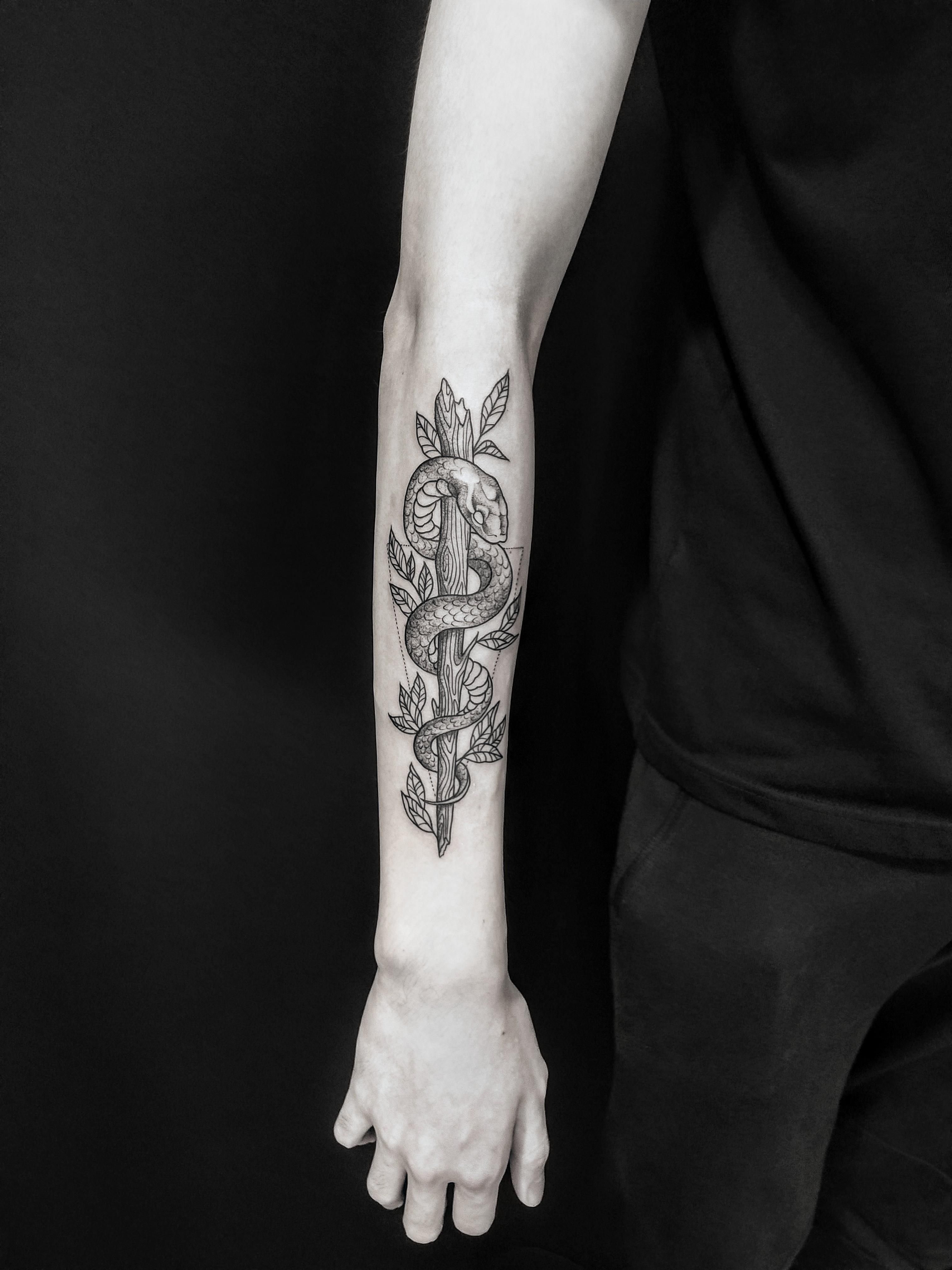 snake dotwork on lower arm maomaochua (With images