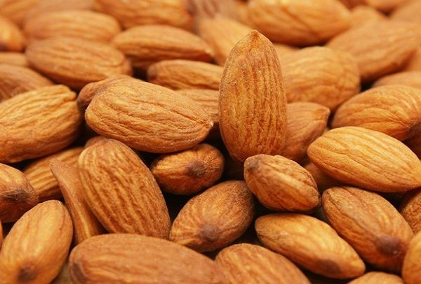 Daily intake of Almonds may help enrich yout diet