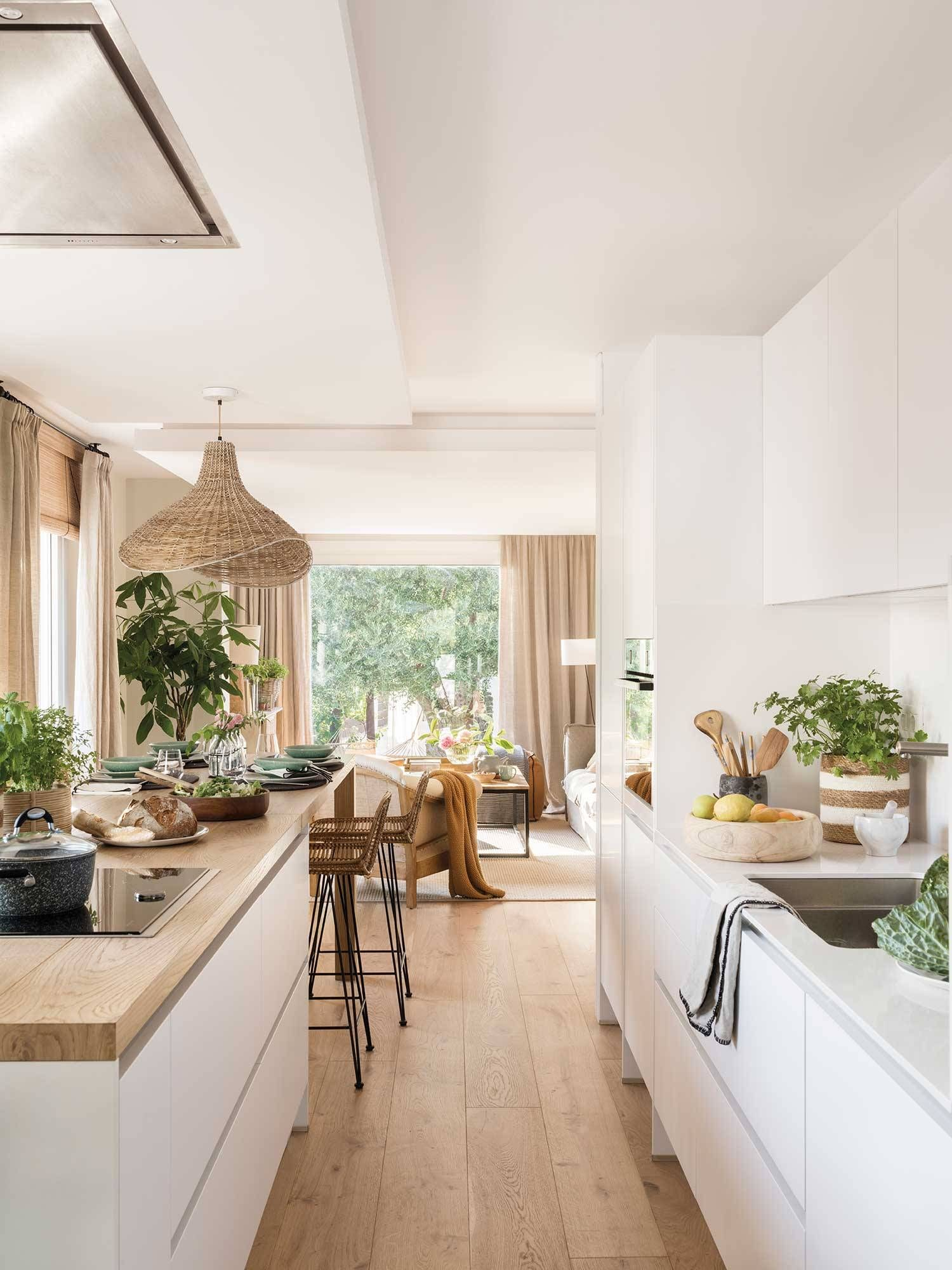 30 cocinas modernas blancas con muchas ideas decorativas