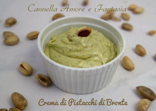 Ecco una delizia della pasticceria siciliana LA CREMA DI PISTACCHI DI BRONTE…