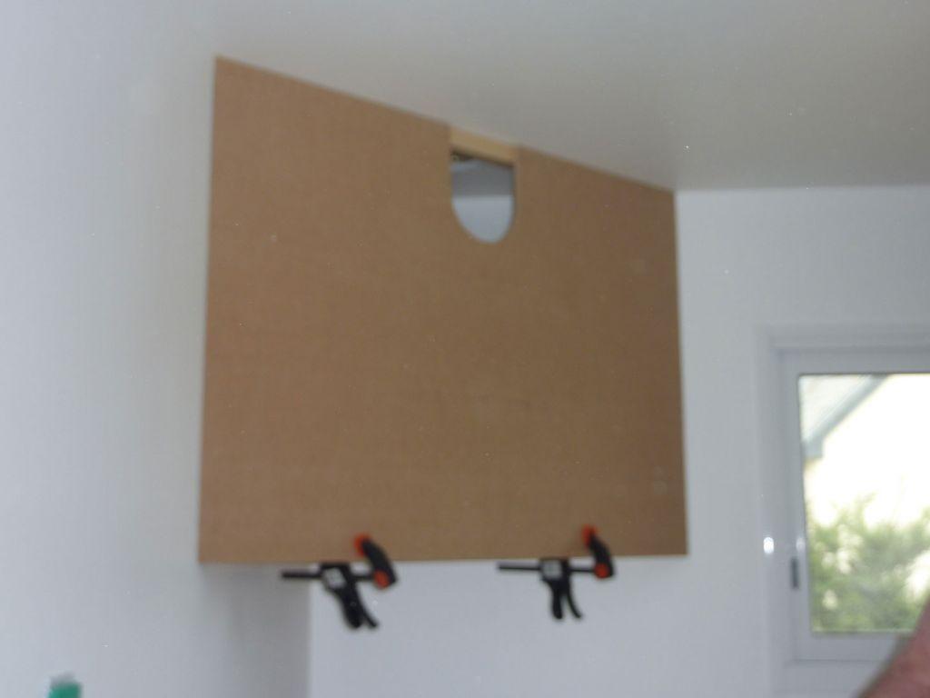 plaque de medium pour la finition de la hotte cuisine en. Black Bedroom Furniture Sets. Home Design Ideas