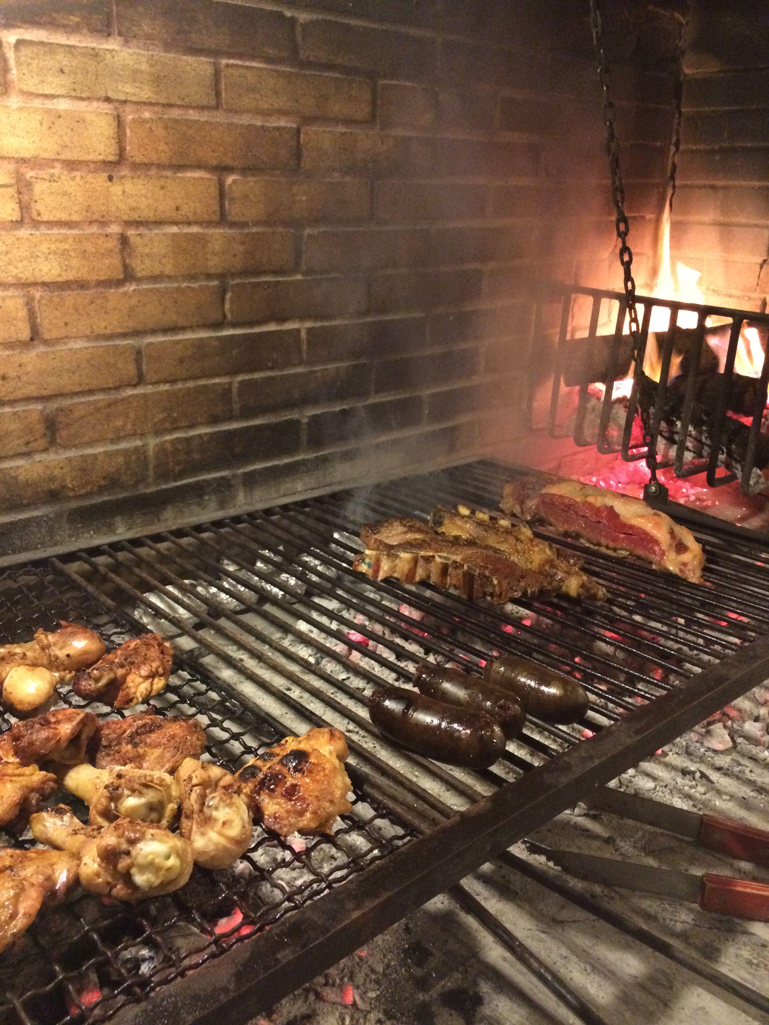 Pollo, Morcilla de Dulche, Vacio = Happy BBQ