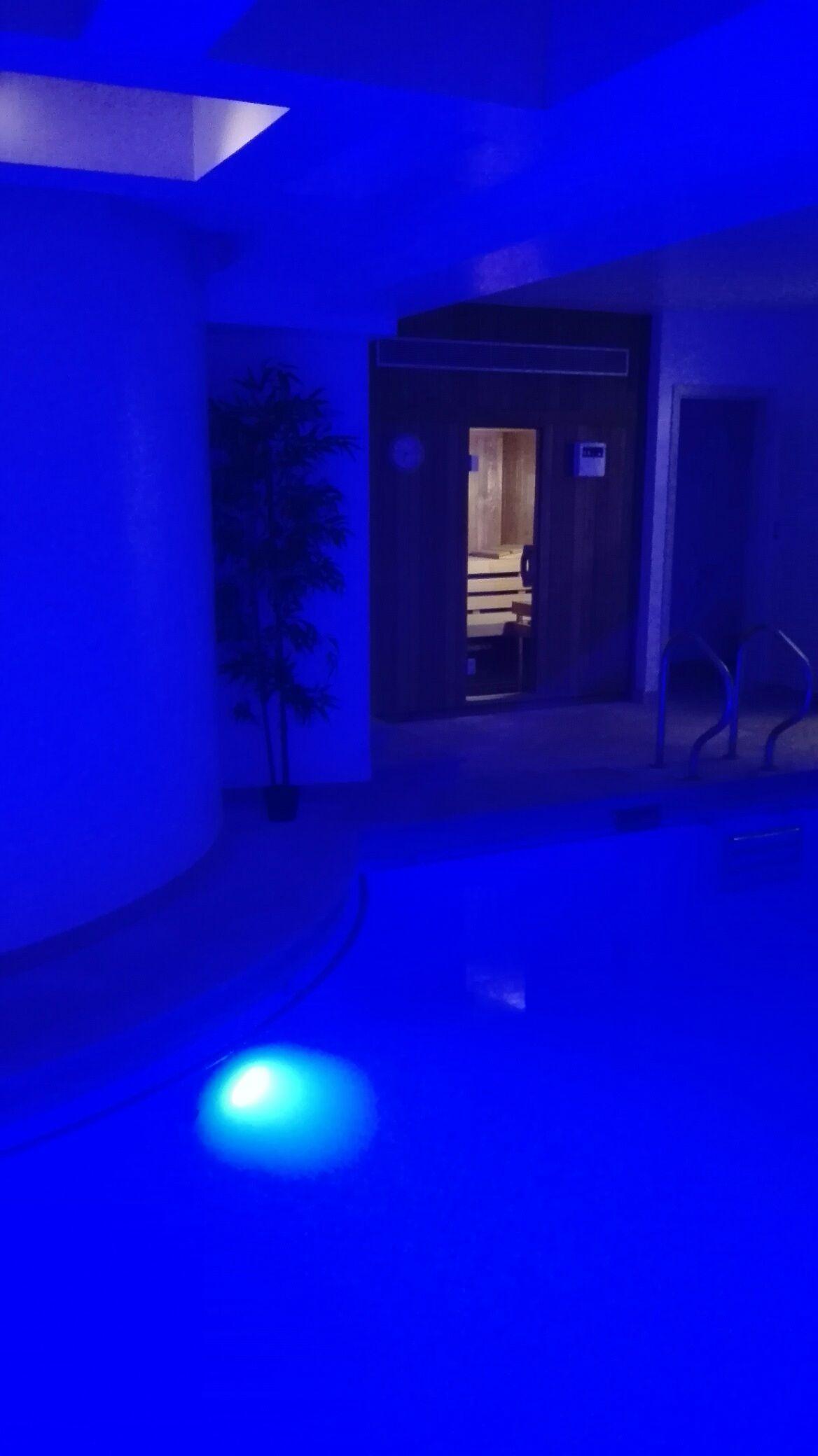 Prive Sauna Zwembad.Zoekt U Nog Een Last Minute Prive Sauna Met Zwembad Of Een