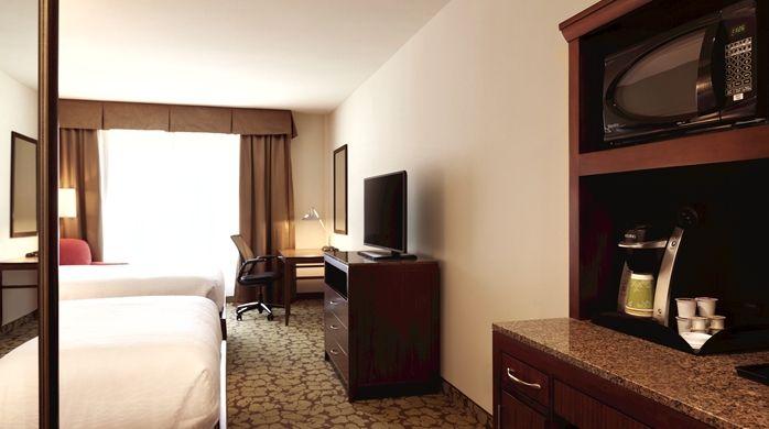 Hilton Garden Inn Boston Logan Airport Hotel Ma 2 Queens