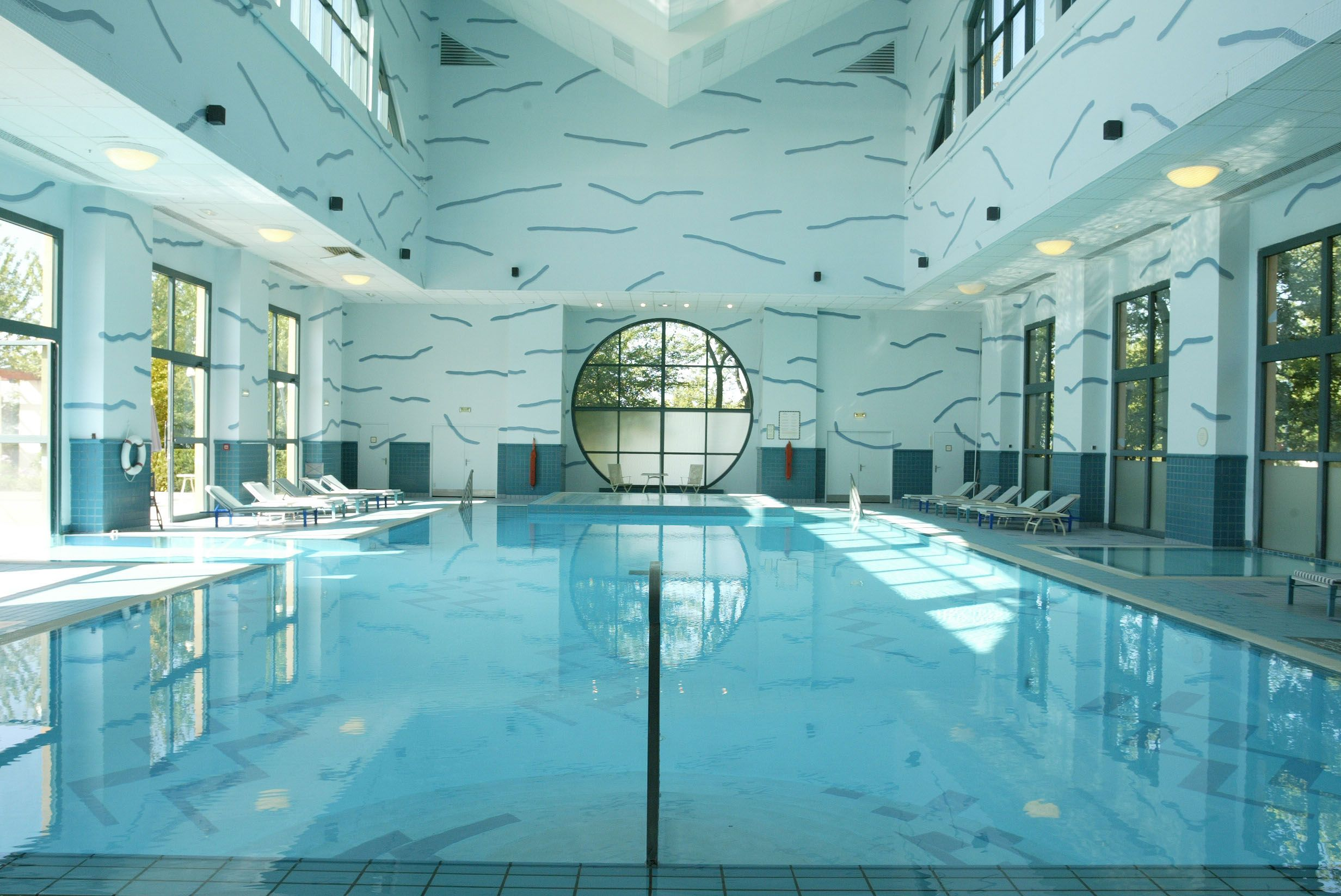 Disney Hotels Hotel New York Indoor Pool Disneyland Paris