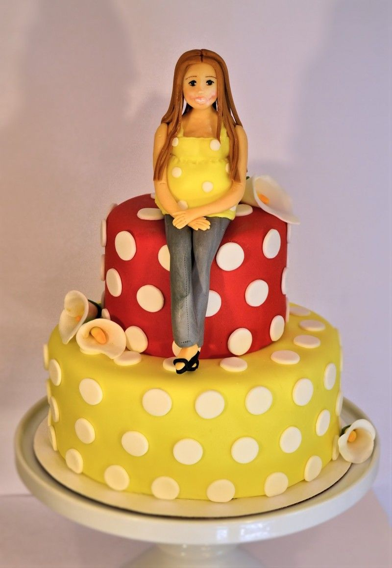Fondant people Fondant woman fondant girl Yellow and red cake