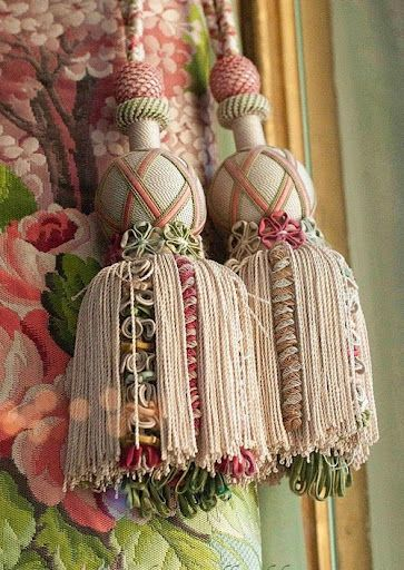 Tassels, they're back!