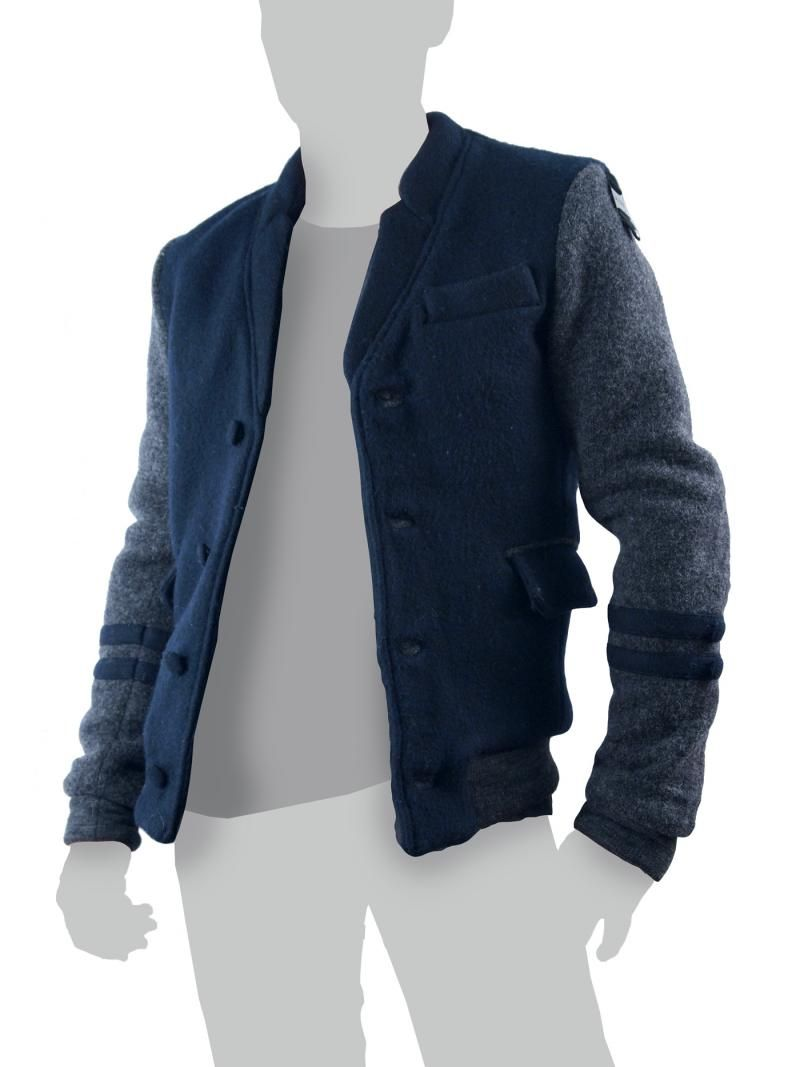 53% Wolle  47% Polyester