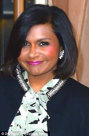Mindy Kaling Shows Off Her Chic New Bob And Shapely Legs In Mini Skirt Short Hair Options Short Hair Styles Cute Haircuts