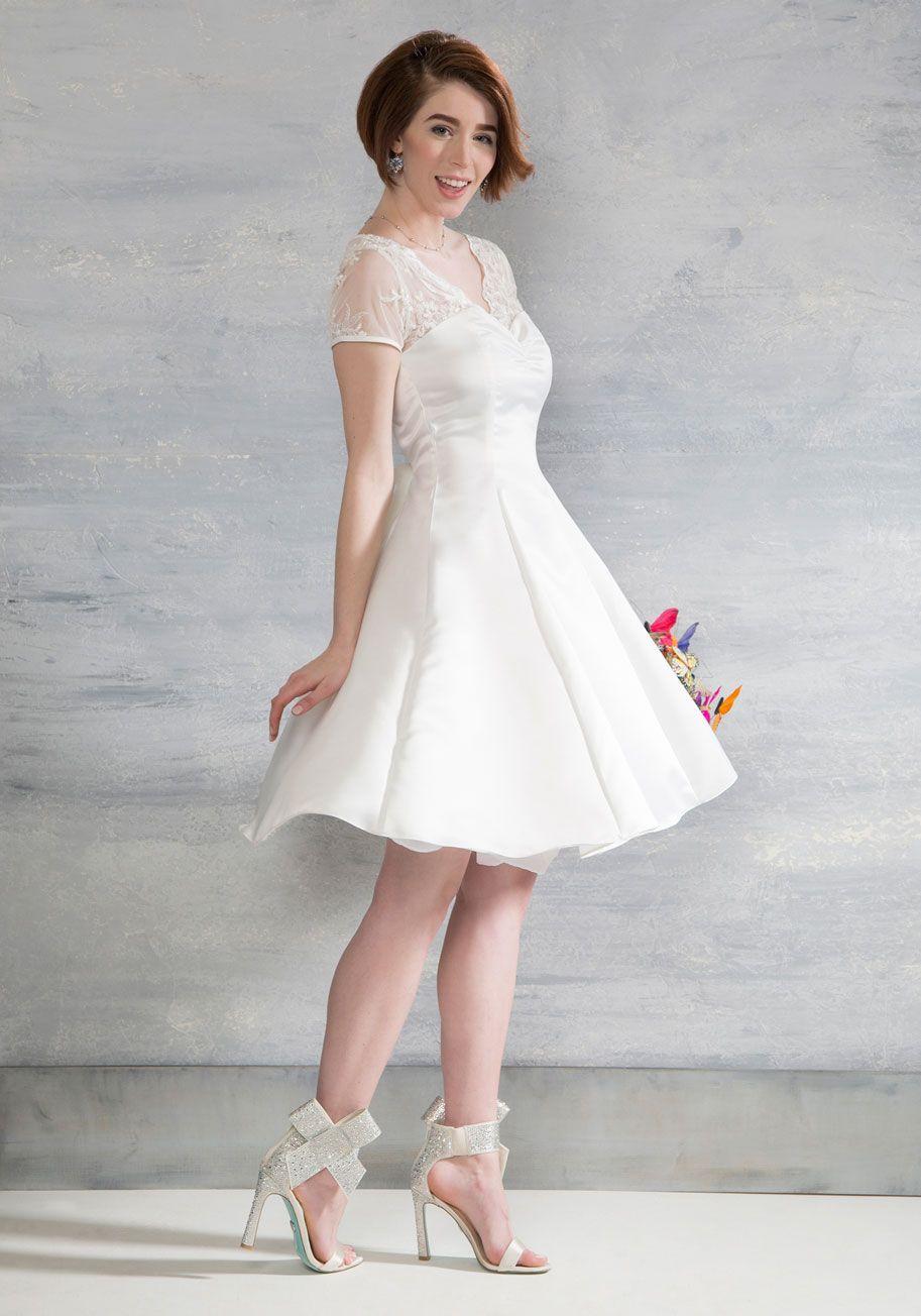 20 Short Wedding Dresses Gowns Short Wedding Dress Civil Wedding Dresses Vintage Inspired Wedding Dresses [ 1304 x 913 Pixel ]