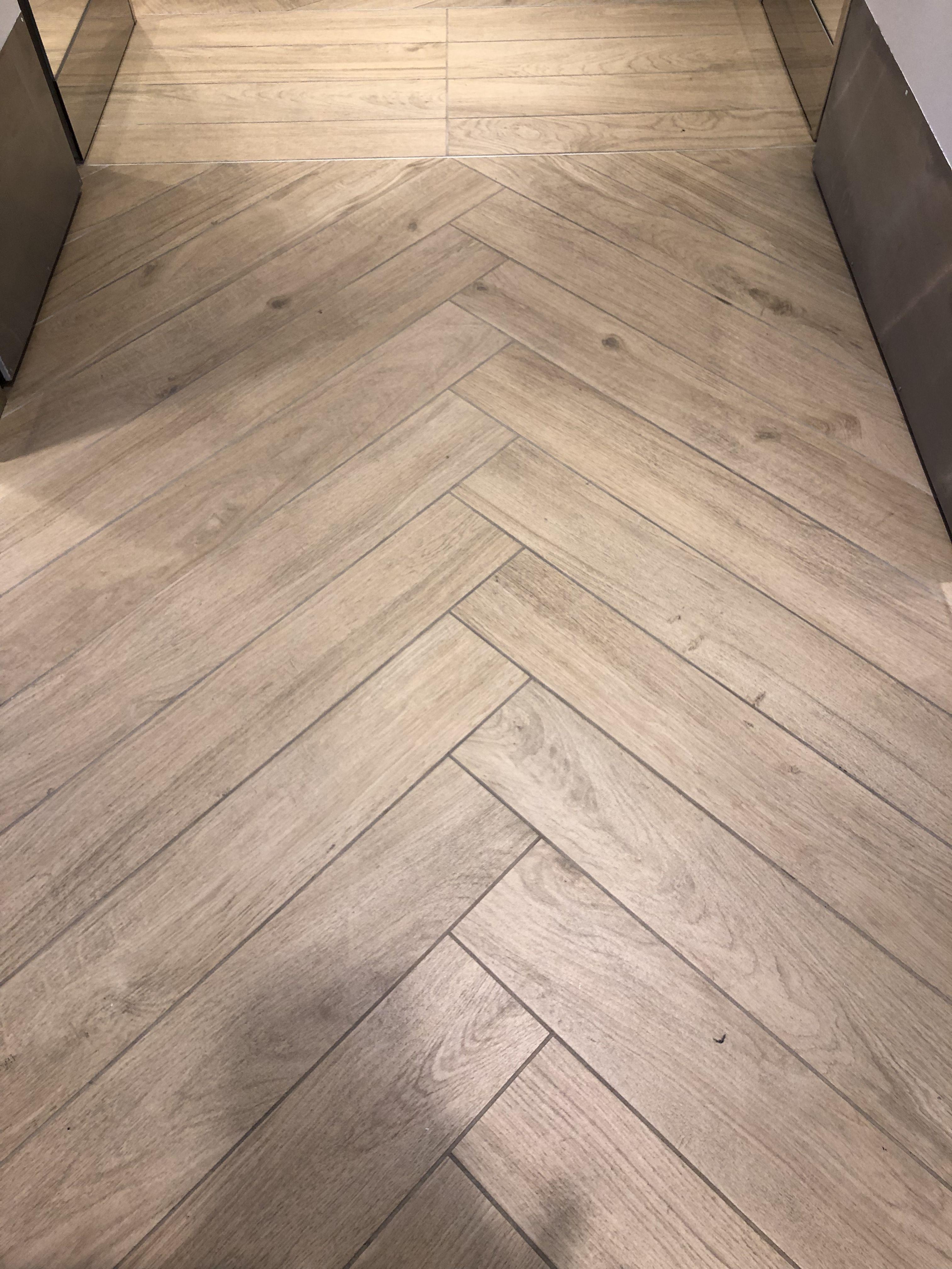 Parquet Parquetflooring Chene Wood Chevron Floordesign Garesconception Devis Gratuit Parquet Herringbone Ekkor 2019