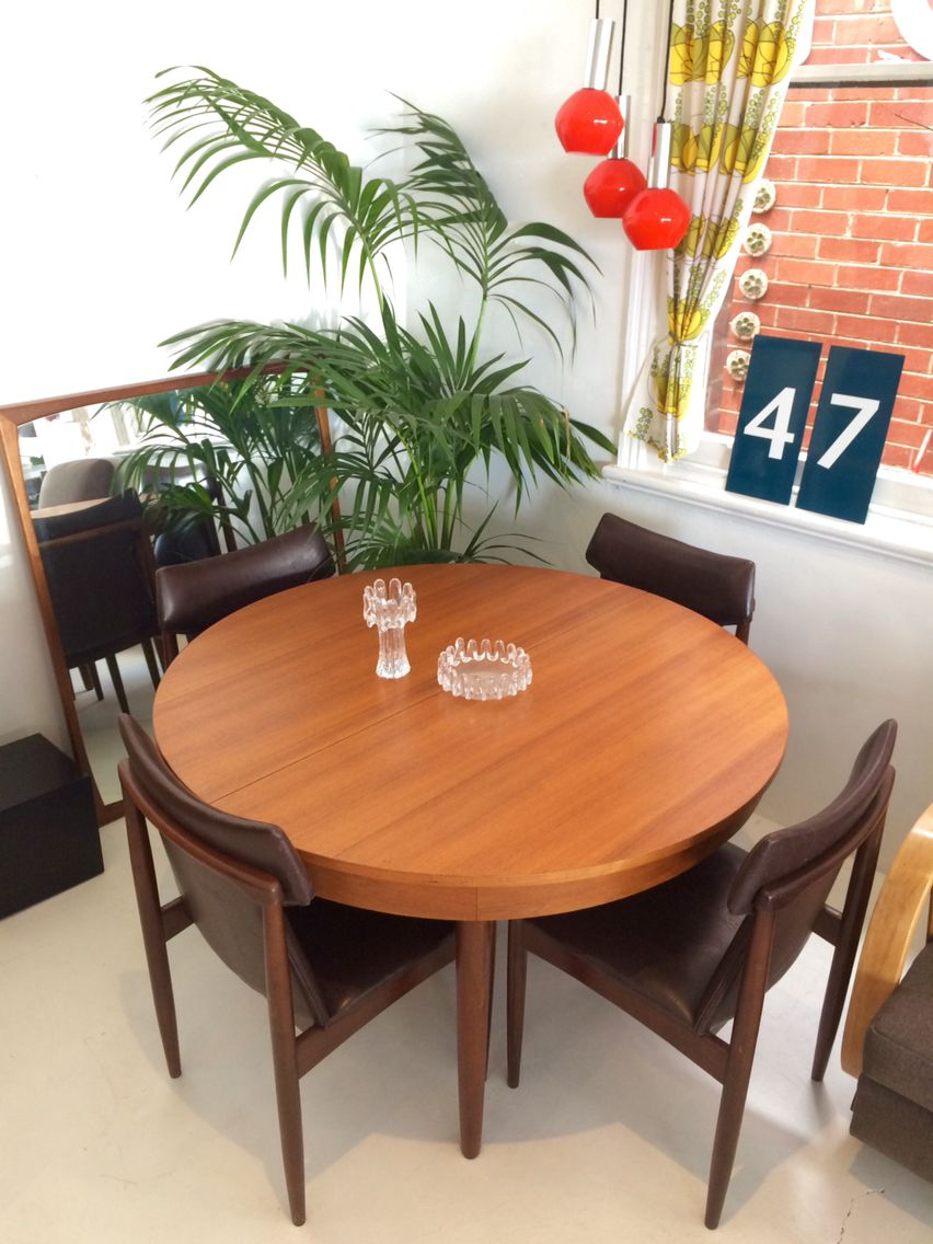 How To Update An Old Dining Room Set Adorable 5Pc Dining Set  Chiswell Furniture Extendable Dining Table  Rodd Design Ideas