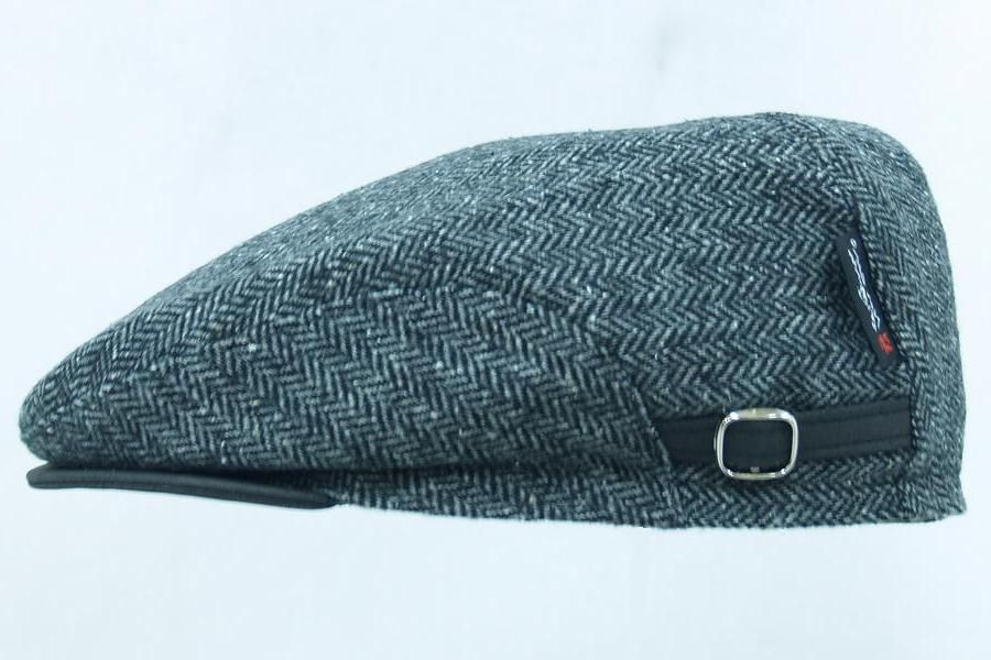 I am a firm believer in wearing hats and caps. Usually, these are made at the Hufa cap factory in Ålesund, Norway. The model I wear has ear flaps that can be lowered when the situation calls for it.