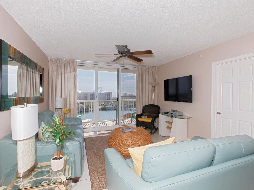 The Terrace At Pelican Beach Resort Condo Rental 905 In Destin Florida By Panhandle Getaways Is A 2 Bedroo Beach Houses For Rent House Rental Beachfront Condo