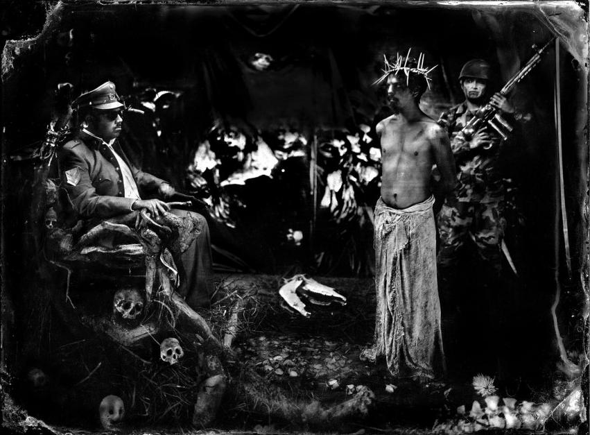 MAURICIO TORO GOYA (1970, Chile) / from the proyect: Gólgota, Carava de la Muerte / http://paratyemfoco.com/es/portfolios/mauricio-toro-goya/