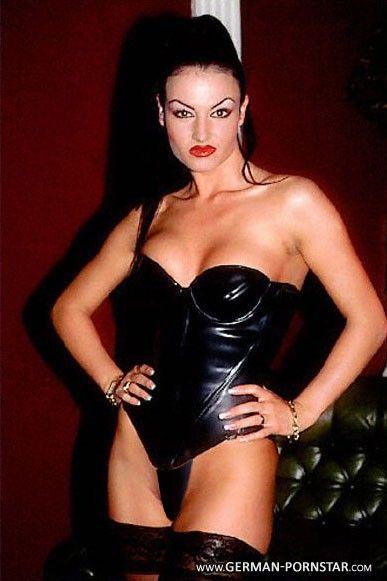Urmila matondkar fully nude photo
