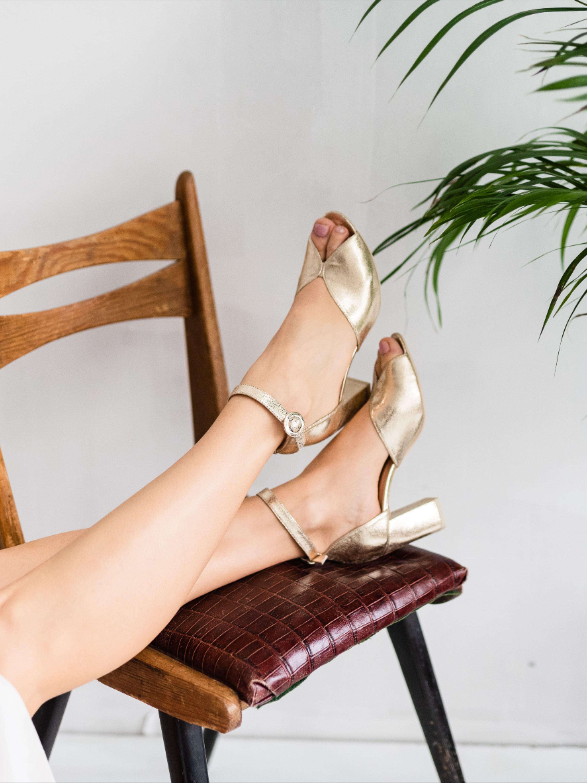 Jakie Sa Twoje Wymarzone Buty Na Slub Dream Wedding Shoes Navy Wedding Shoes Wedding Shoes