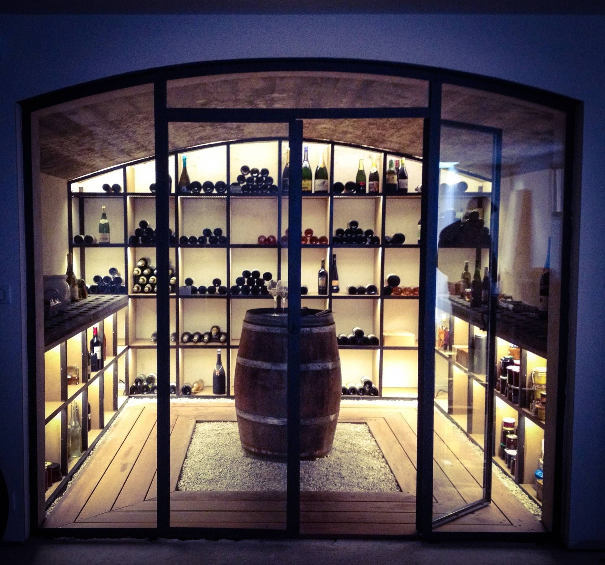 Cave a vin cave vin de style par de design en 2019 in vino veritas home wine cellars - Amenagement cave a vin maison ...