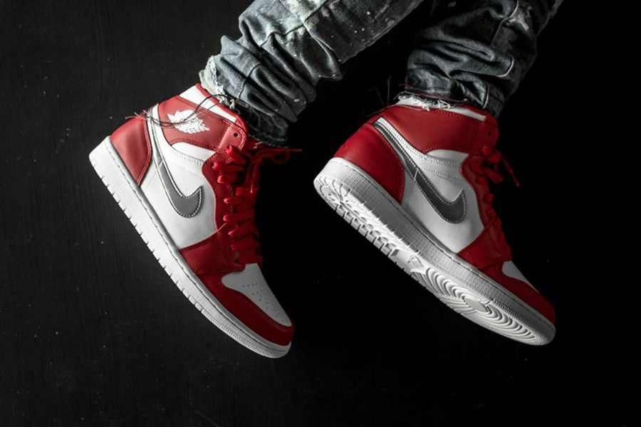 0524952d1c6 The Air Jordan 1 Retro High