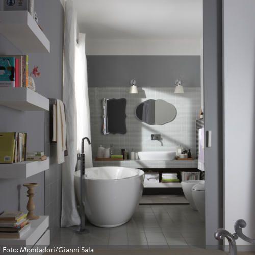 Romantisches Bad hinter Schiebetür Romantisches bad - freistehende badewanne schlafzimmer