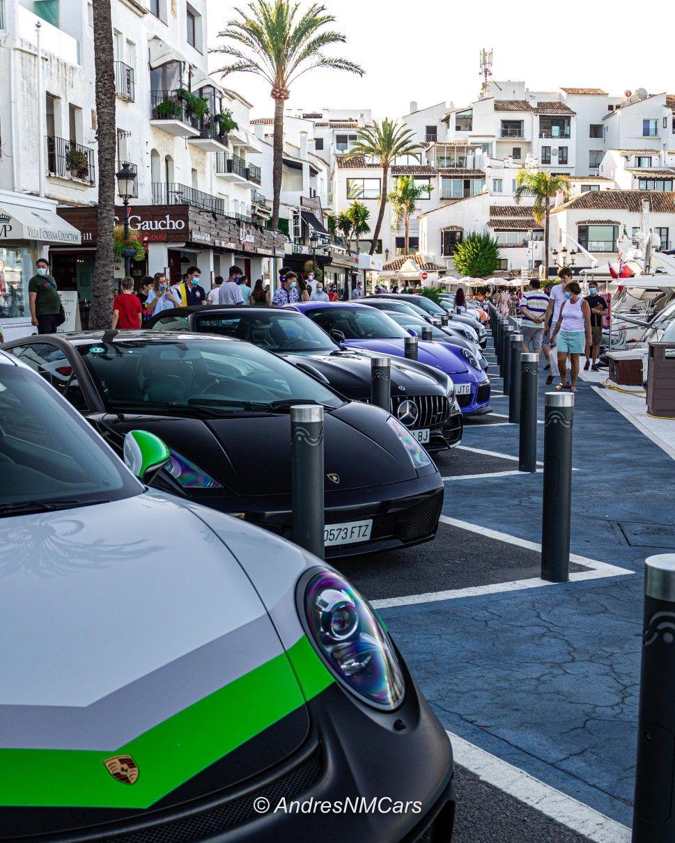 Hace unos días os contamos como fue la experiencia completa del IBERIAN TOUR 2020,  terminando con una exposición de @6to6motor en Puerto Banús (Marbella) de todos los vehículos asistentes, siendo esta experiencia en la que nos vamos a centrar en el presente artículo. 🏁🛥️ . Muchas más FOTOS 📸 e información 📖 en la WEB 🌐! Link en la biografía 👤 . #Iberiantour #6to6 #six2six #Iberianexperience #puertobanus #marbella #6to6motor #carlifestyle #CarSpotter #Carle