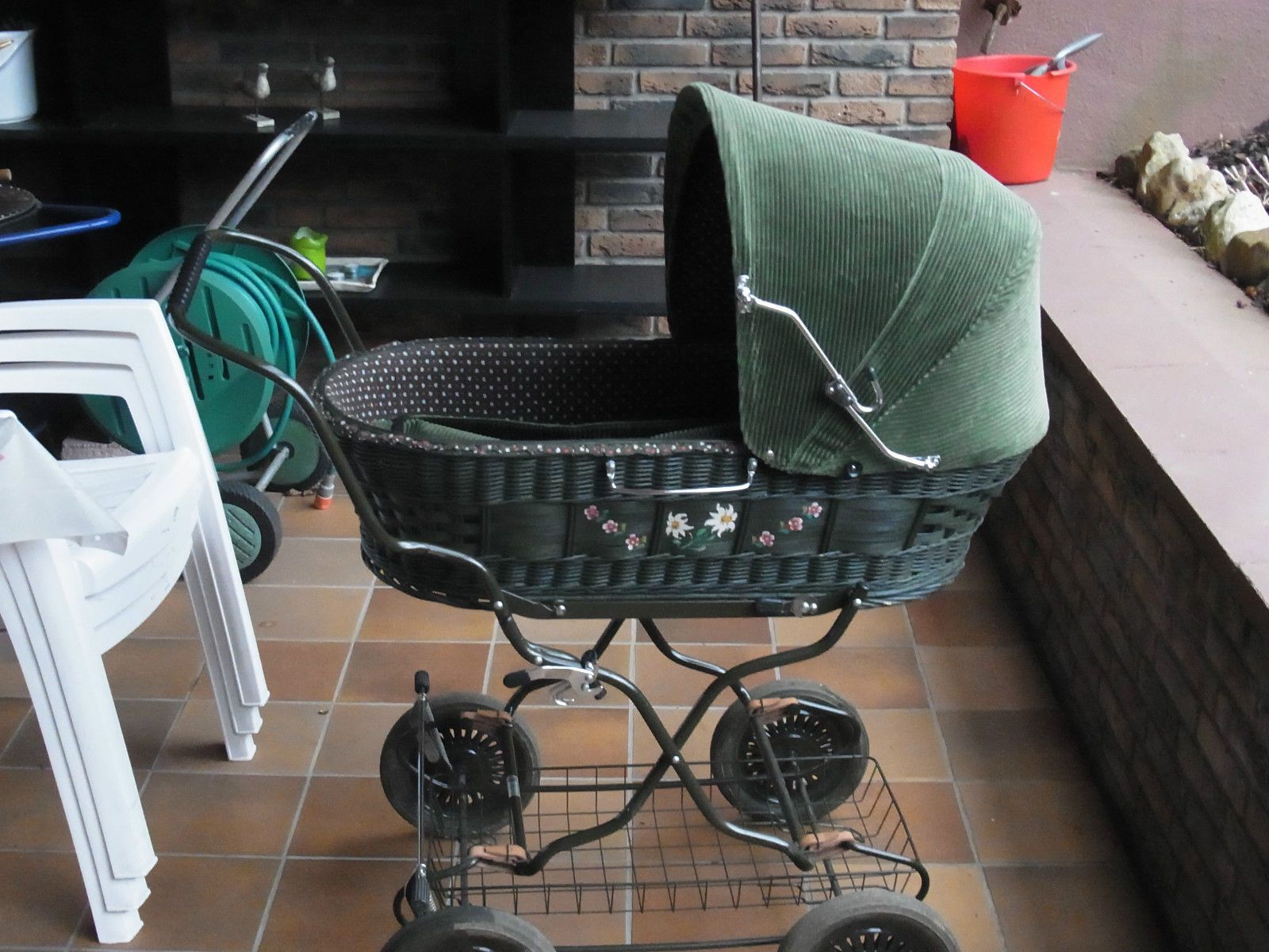 knorr nostalgie kinderwagen 1982 traumhafter korb kinderwagen cord kord retro in baby. Black Bedroom Furniture Sets. Home Design Ideas