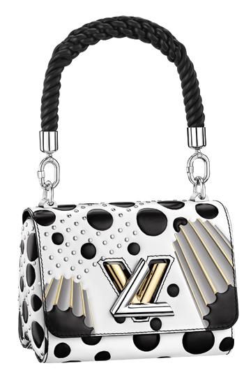 6c726b63c Bolso troquelado, de Louis Vuitton. La combinación blanco y negro es ideal  para este look.
