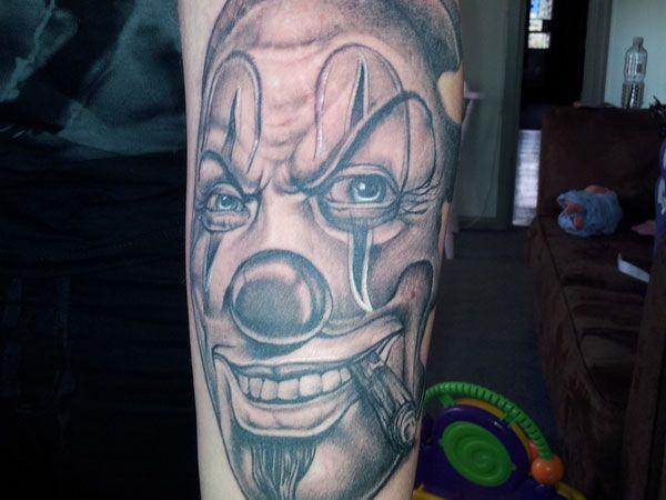 Clown tattoo chicano google zoeken projecten om te for Chicano clown girl tattoos
