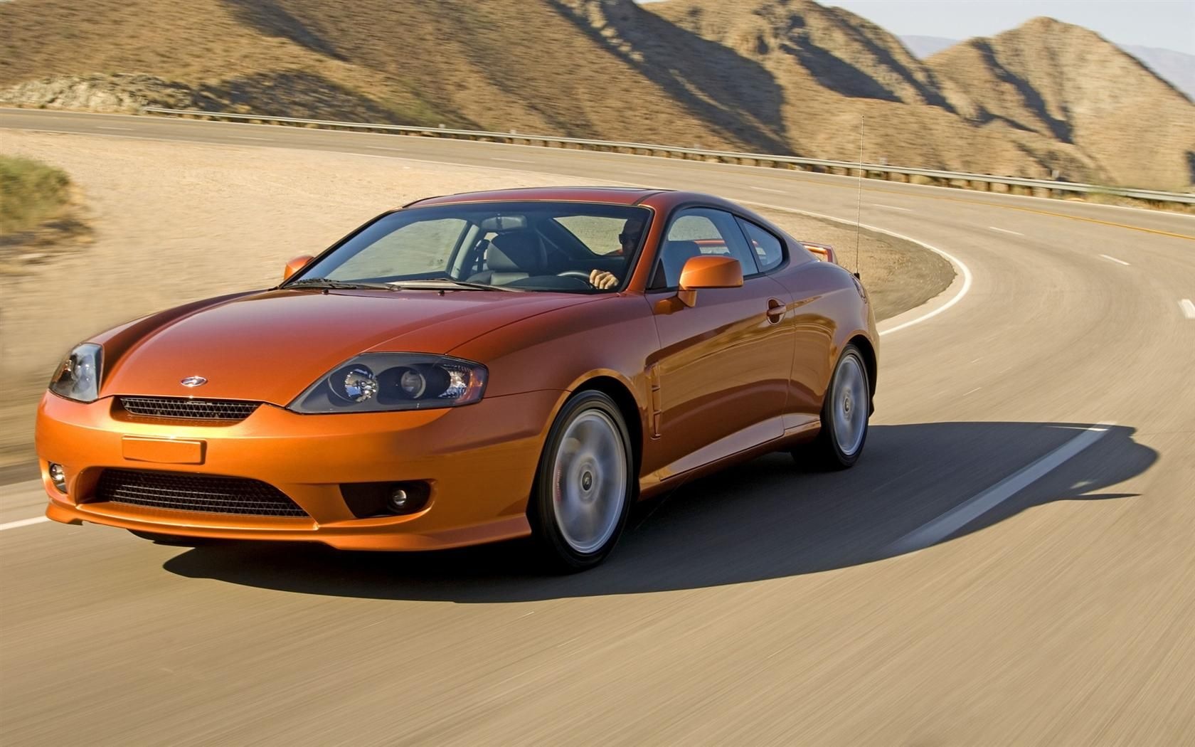 Hyundai Tiburon Yyy In Burnt Orange