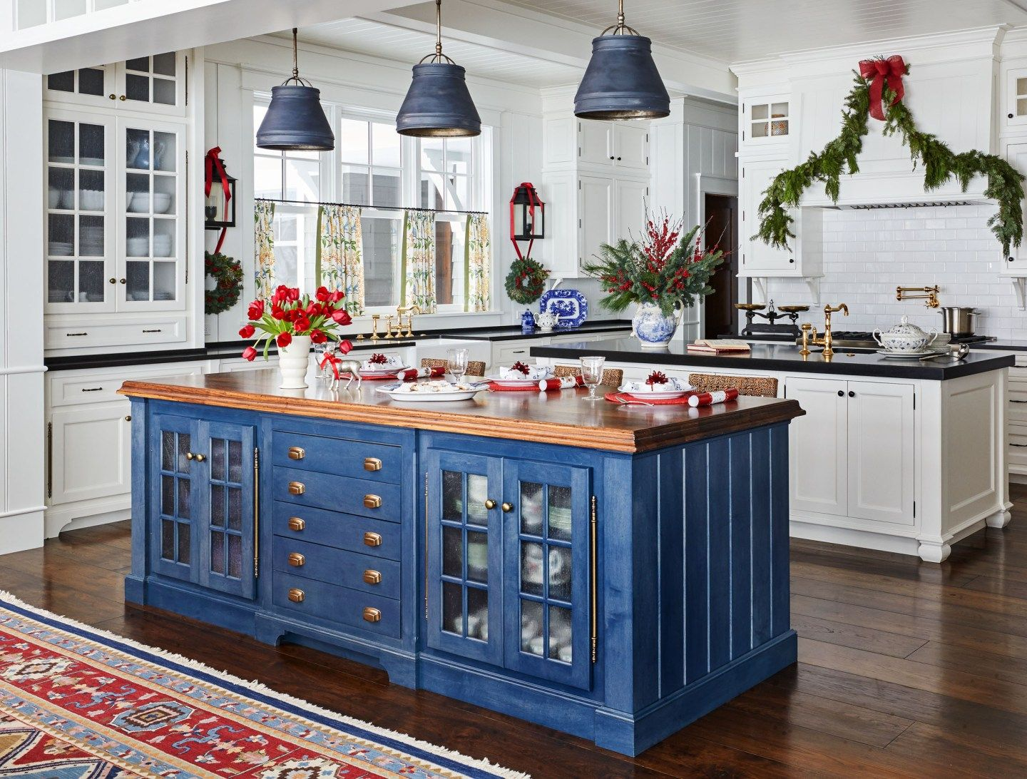 Christmas Decor for Blue and White Rooms  Decorated Life ...