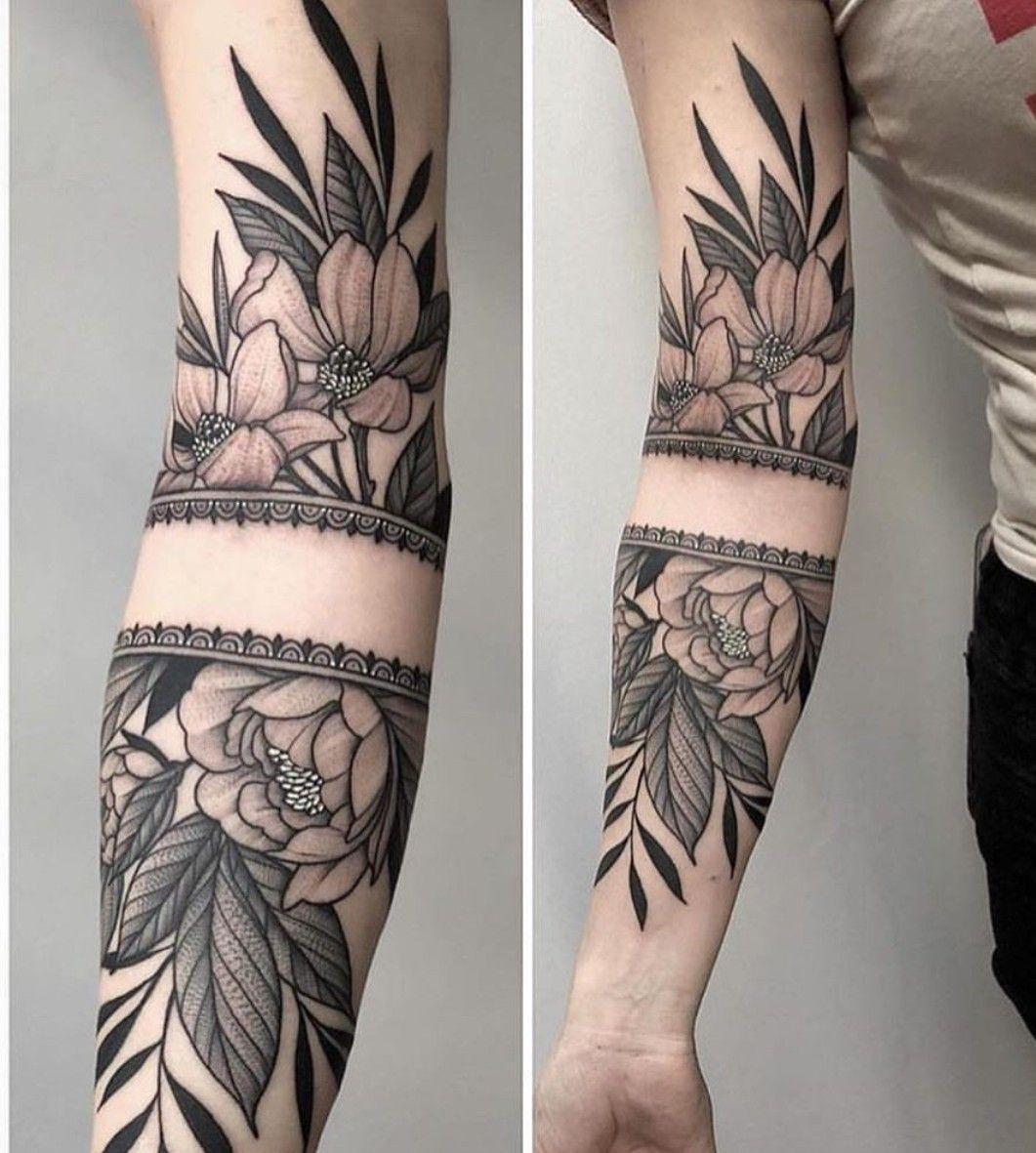 Flower tattoo Tatuagem de flor braço feminino Tatuagem