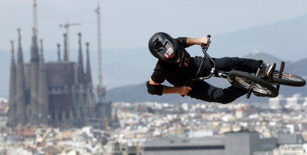 Una de las pruebas de los 'X Games Barcelona 2013', ubicada en un punto emblemático de la montaña de Montjuïc, ¡con unas vistas increíbles! #BMX #xGames #Rider #Barcelona. Foto de Albert Gea