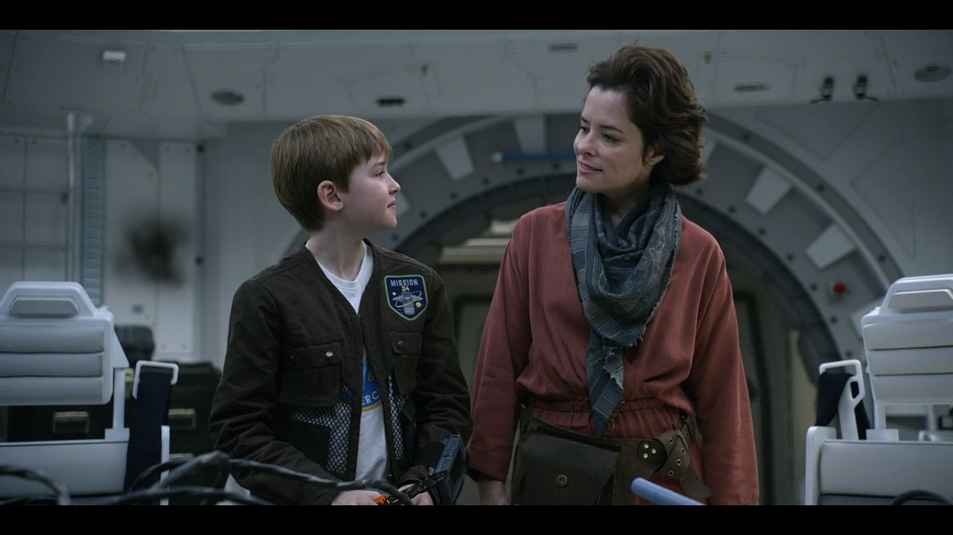 Parker Posey And Maxwell Jenkins In Lost In Space 2018 Lost In