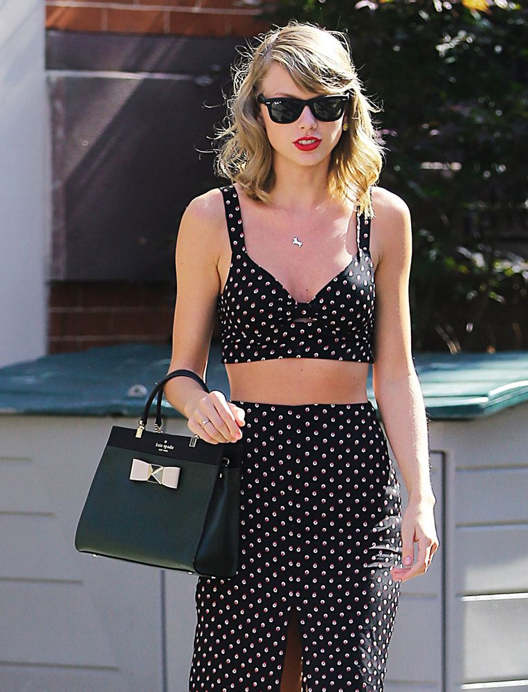 Taylor Swift With Kate Spade Bow Terrace Top Handle