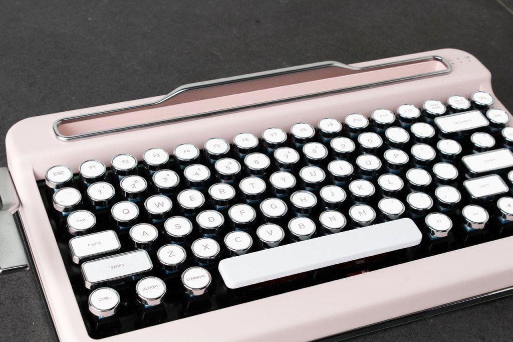Penna die reinkarnation der schreibmaschine bluetooth interiors penna mechanische bluetooth tastatur fandeluxe Image collections