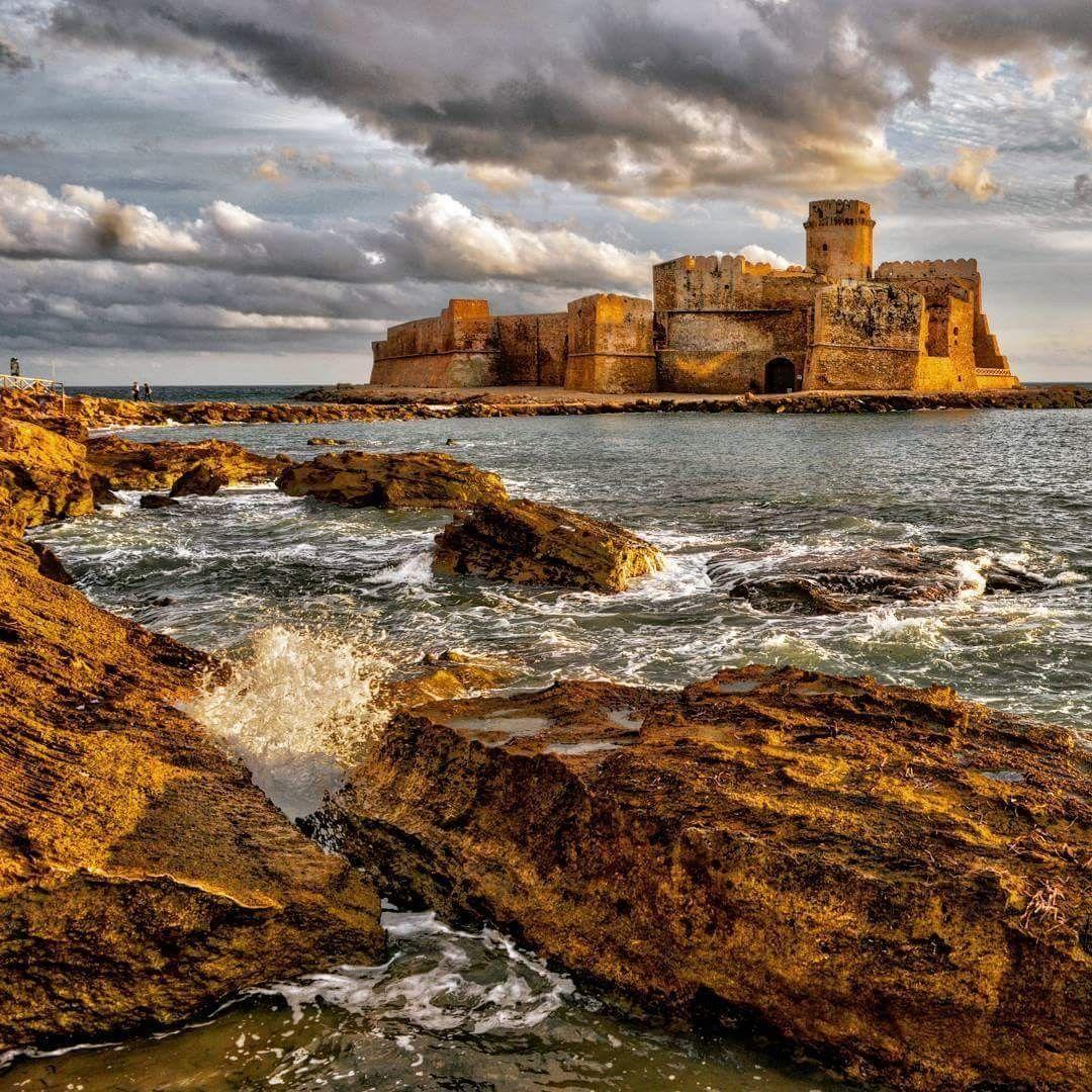 Castello Aragonese Le Castella. Le Italy lecastella