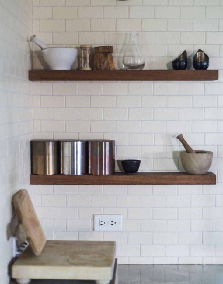 Etagères en bois Détails cuisine