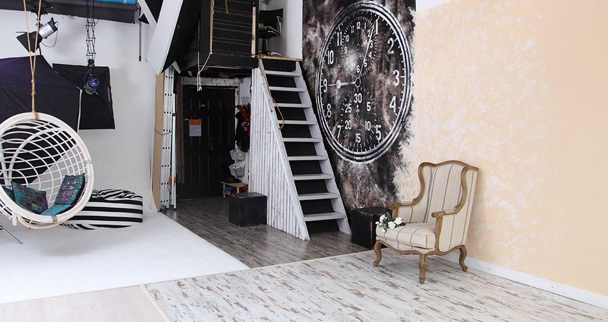 маникюр фотостудии где есть лестницы также