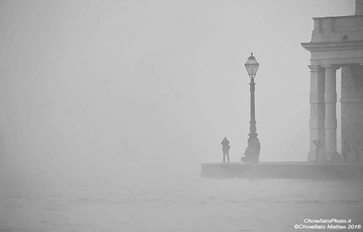 #Venice#Venezia [#thisisVenice] : Just some fog today in venice Photo and words @chinellatophoto YOU CAN HELP US SHOWING THE REAL VENICE | Be featured in our gallery: Follow @veneziaautentica Use#veneziaautentica#thisisvenice#authenticvenice( More info in the commentsection )