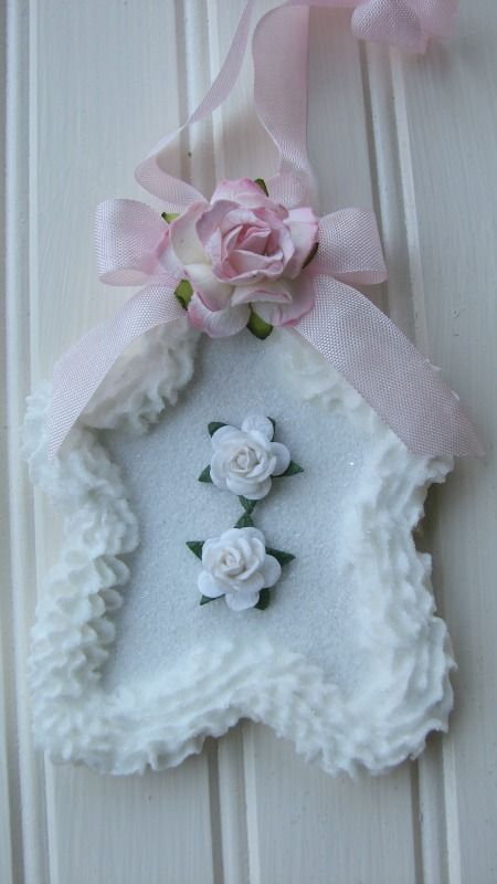 Holiday Cookie Ornament with roses